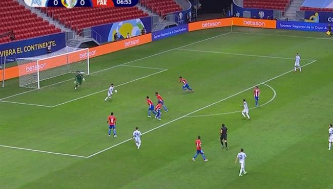 اجويرو يهدر هدف محقق للارجنتين امام باراجواي