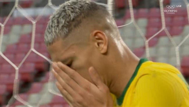 القائم يحرم ريتشارليسون من هدف قاتل في مباراة البرازيل والمكسيك